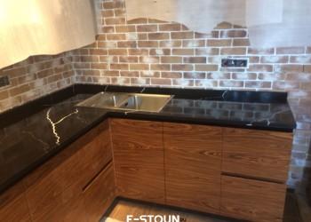 Кухонная столешница из камня Vicostone Nero Marquina BQ 8740