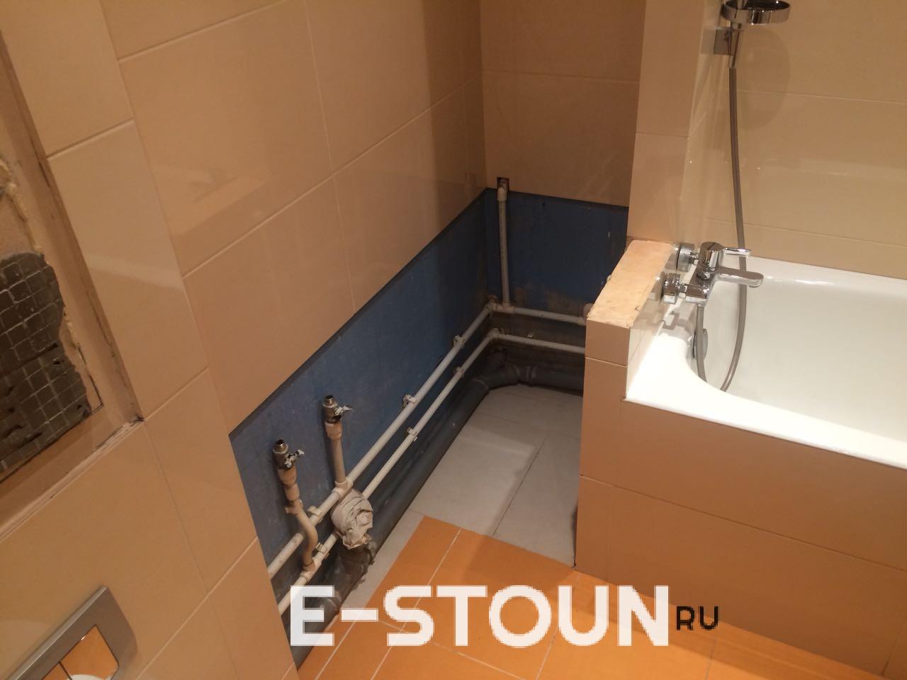 До монтажа столешницы в ванную комнату: видна нестандартная планировка помещения